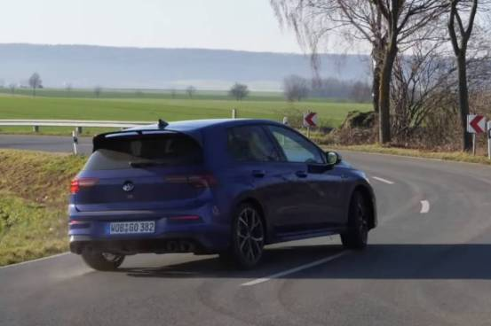 Η λειτουργία Drift του νέου VW Golf R σε δράση