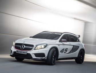 Mercedes GLA45 AMG unveiled before Detroit Auto Show 2014