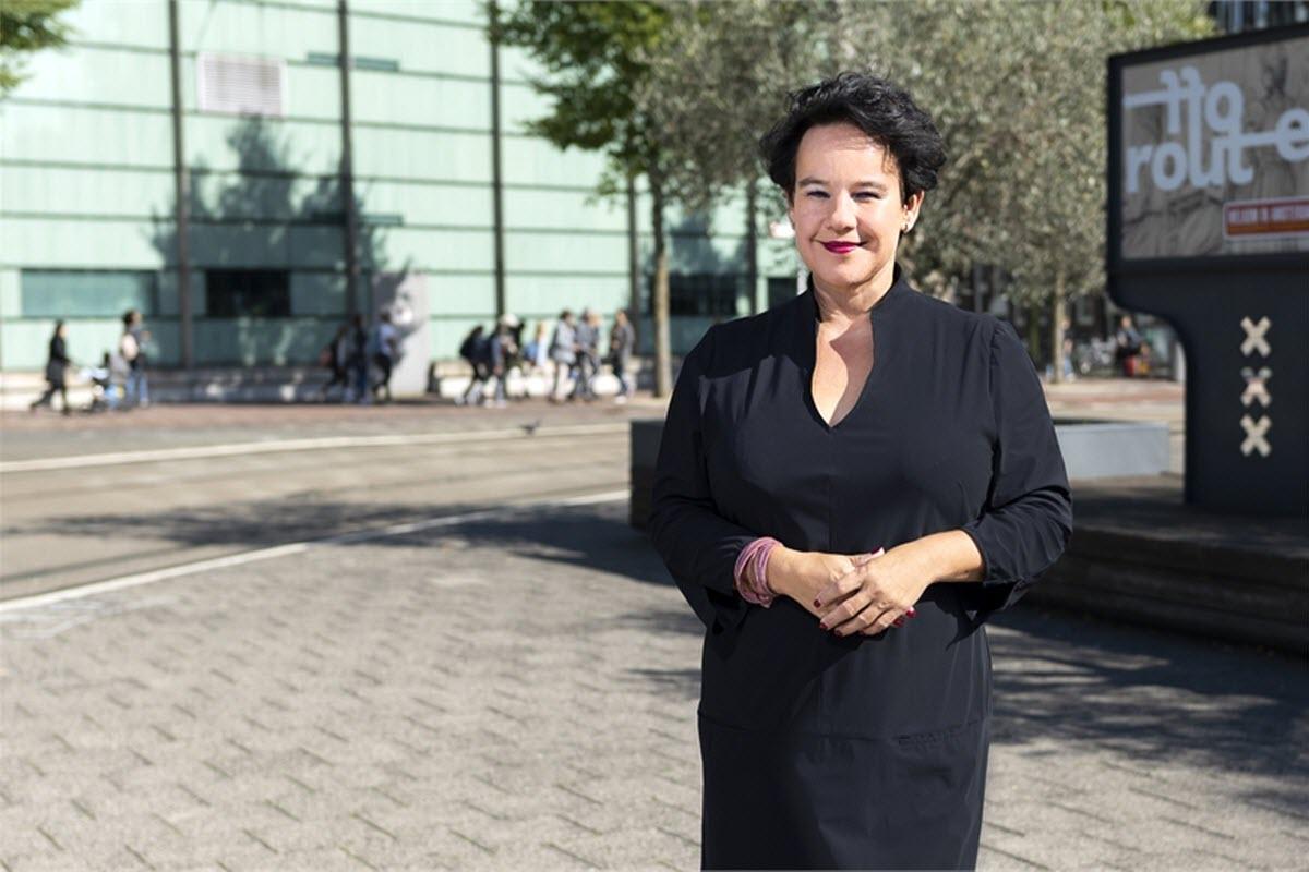 Wethouder Sharon Dijksma weer aan het werk