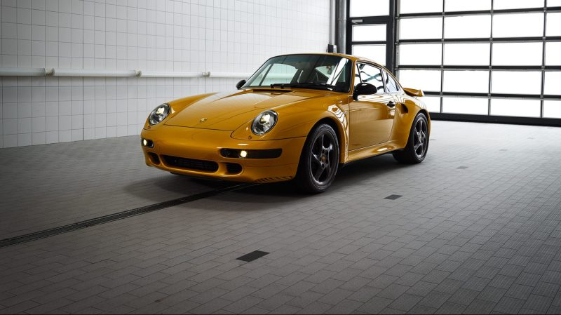 Porsche 993 Turbo Project Gold Einzelstueck_vorne