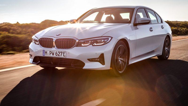 BMW 330e_vorne