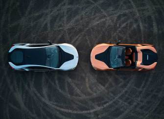 BMW i8 ROADSTER VE COUPE