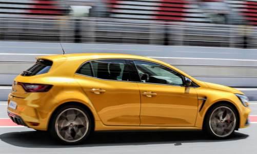 Renault Megane R.S.'e Trophy versiyonu geldi