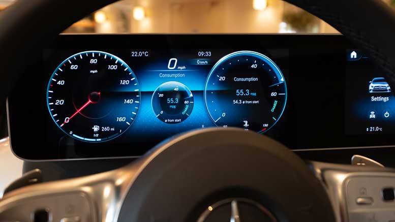 New 2018 Mercedes-Benz A-Class - New Display Technology