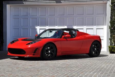 La Tesla Roadster dans sa superbe livrée rouge