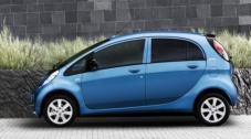 La Peugeot iOn affiche des dimensions particulièrement compactes