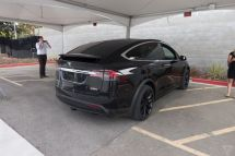 tesla-model-x-launch-010-2040.0
