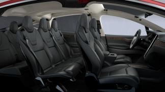L'intérieur du Model X couleur sombre
