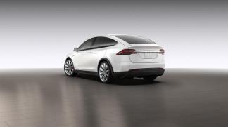 La Tesla Model X en blanc