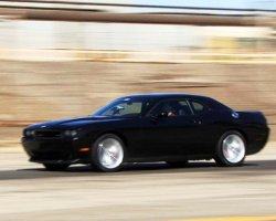 Dodge Challenger Review – Everyday Driver