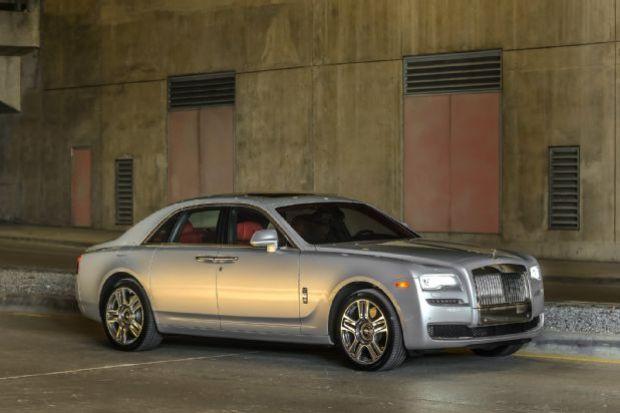 2015 Rolls Royce Ghost Series II Front Three Quarter 28