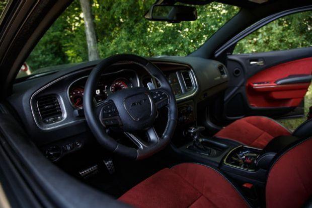 2015 Dodge Charger SRT Hellcat Cabin 01