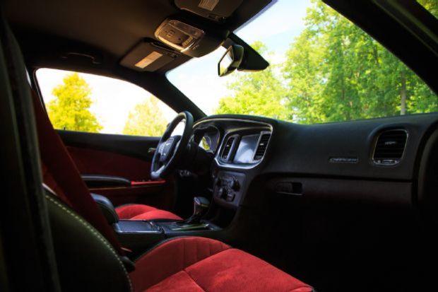 2015 Dodge Charger SRT Hellcat Cabin 03