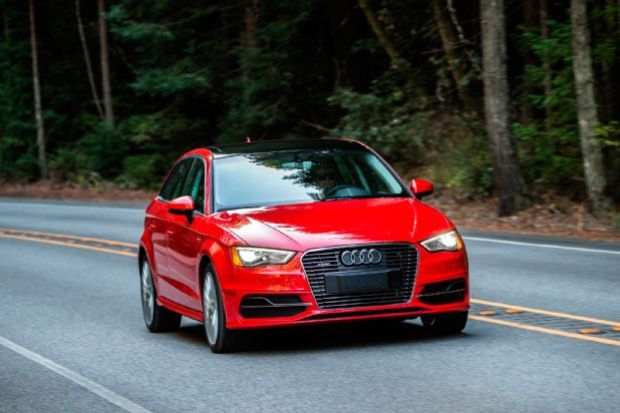 2016 Audi A3 E Tron Front End In Motion 02