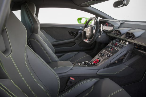 2016 Lamborghini Huracan LP580 2 Interior 02