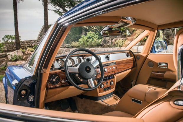 Rolls Royce Phantom Series II Coupe Cockpit 660x413