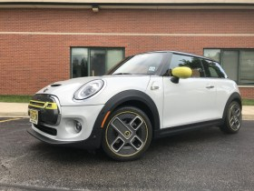 First drive: 2020 Mini Cooper SE comes with a big but