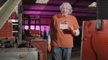 "Edd China begins work on a neglected 1982 Range Rover in ""Workshop Diaries"" episode 2"