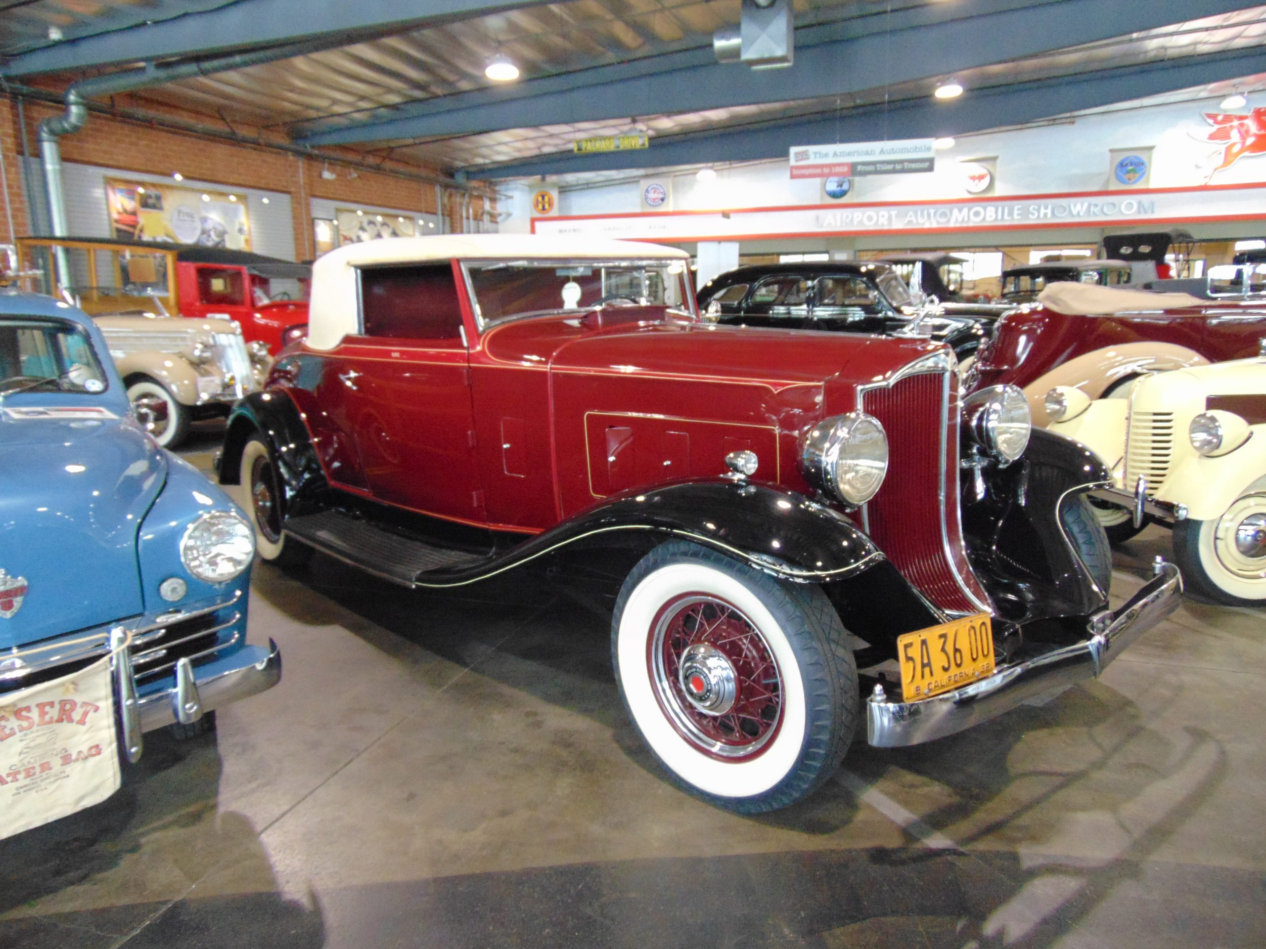1932 Packard 900 for rent