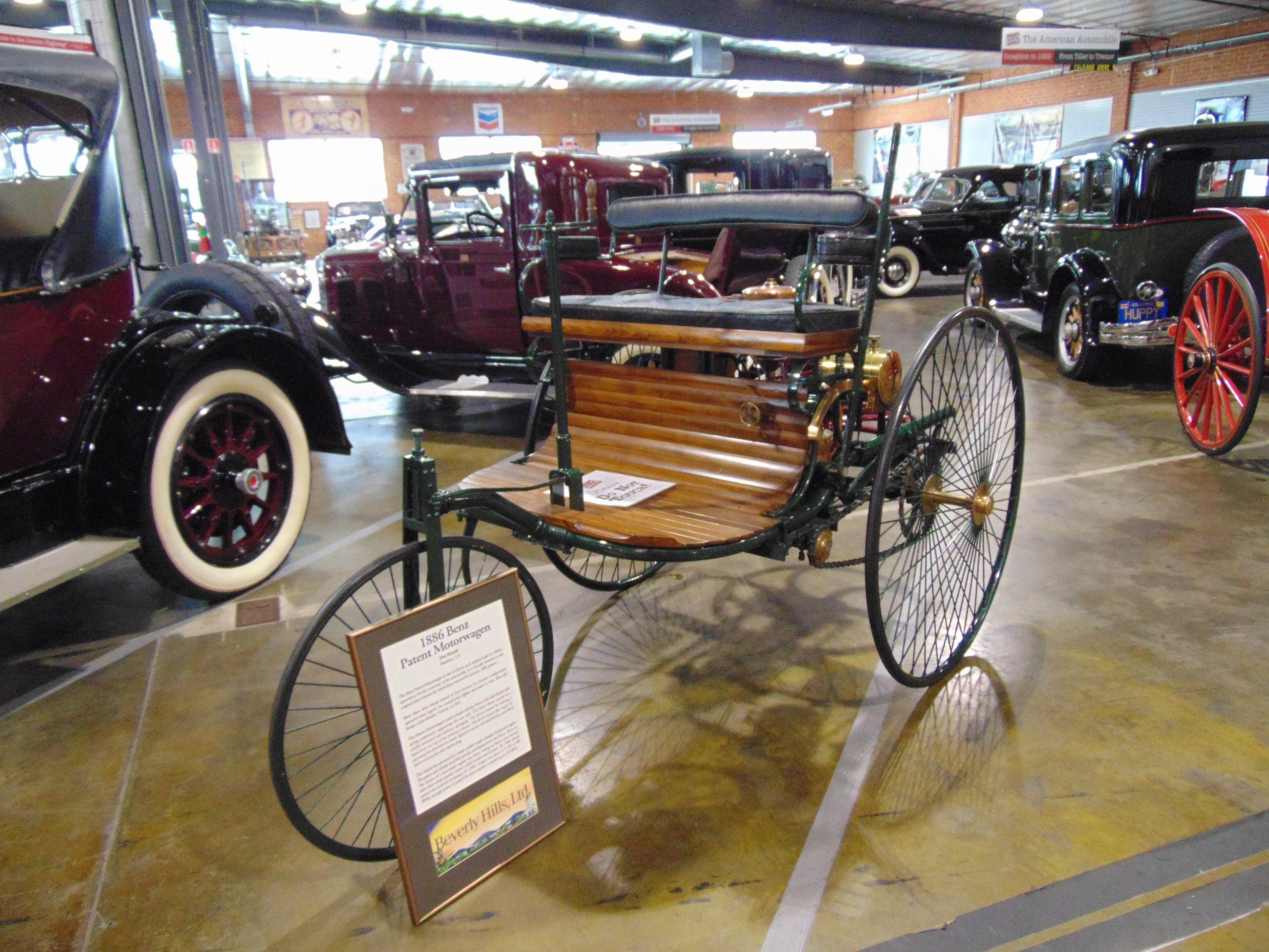 Mercedes 1886 for Rent