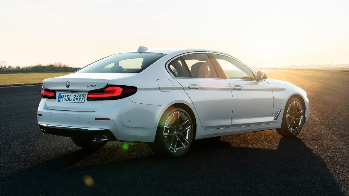 2021 BMW 5 Series Sedan European model 30