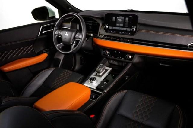 2022 Mitsubishi Outlander interior.