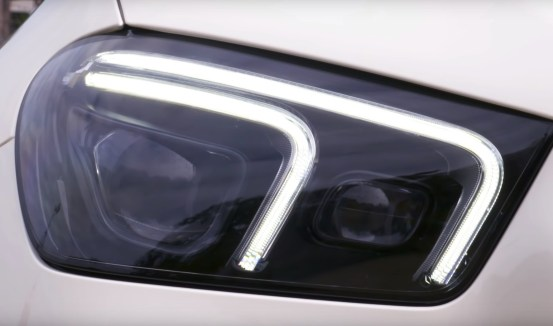 Mercedes Benz GLE 2019 headlights