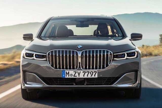 BMW 7 series 2019 front exterior grille big chrome metallic