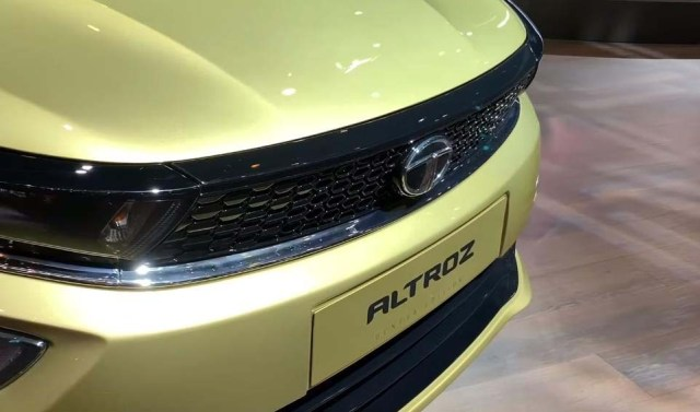 2019 Tata Altroz Front Headlamps