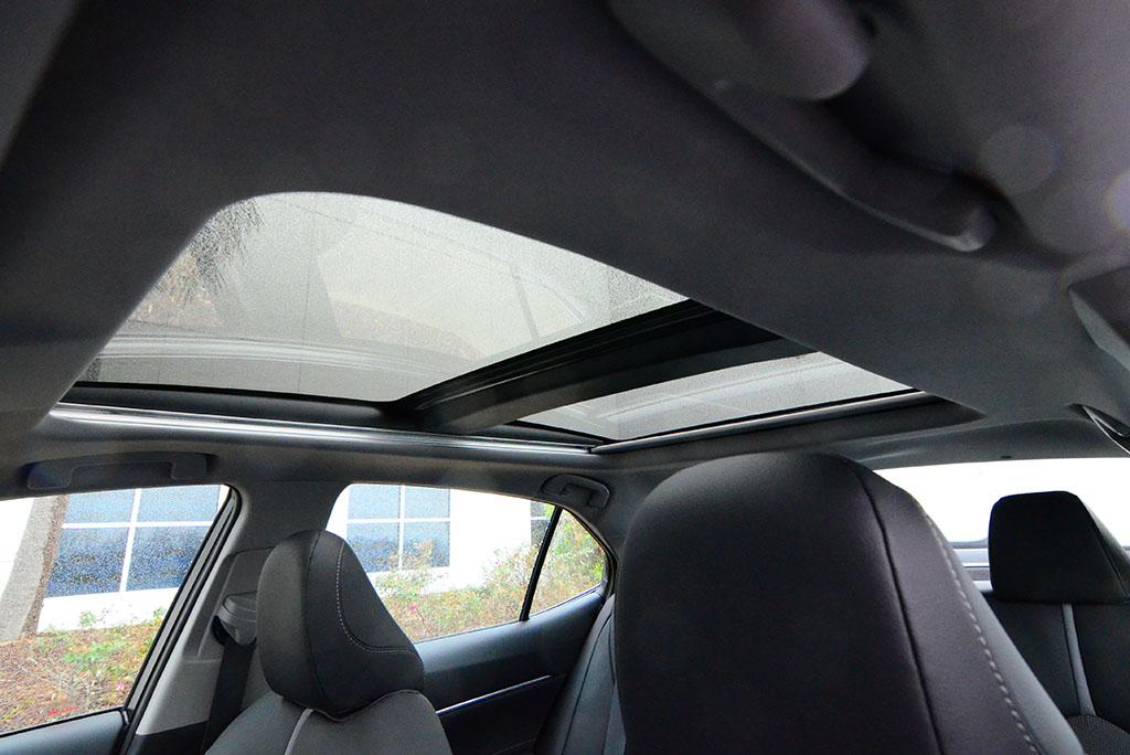 2018 Toyota Camry Xse V6 Panoramic Roof