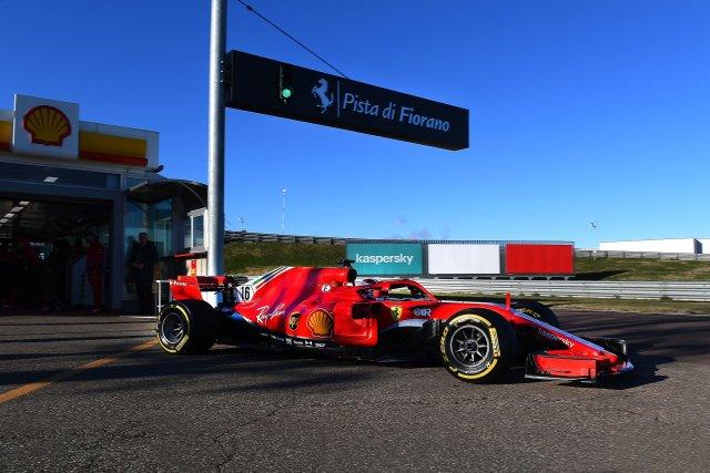 Leclerc in pista