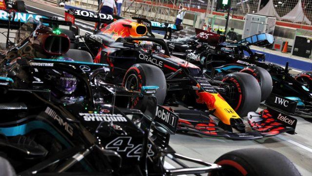 L'organo di governo della Formula 1, la FIA, introdurrà nuovi test di carico/flessione sulle ali posteriori a partire dal prossimo mese.