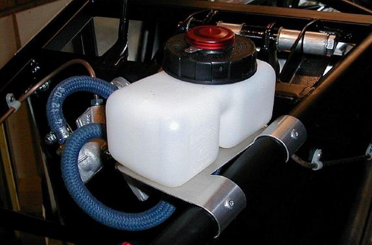 Siete de cada 10 coches circulan con líquido de frenos en mal estado