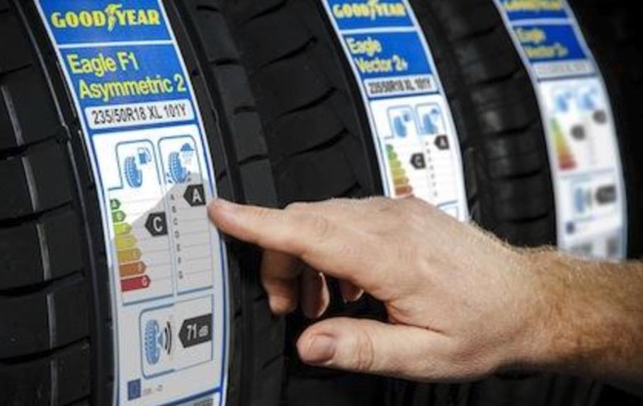 Que pone etiqueta neumático