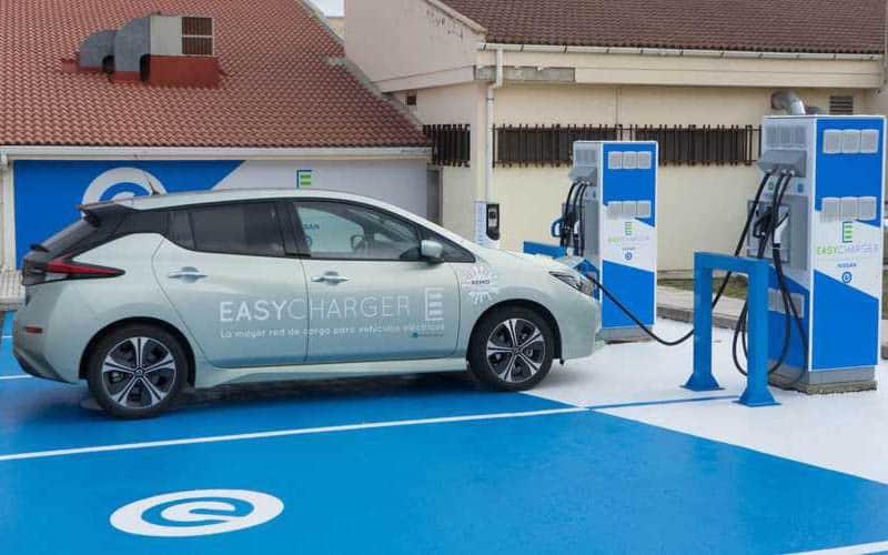 Nissan, la única marca que impulsa la infraestructura de recarga de vehículos eléctricos para todos