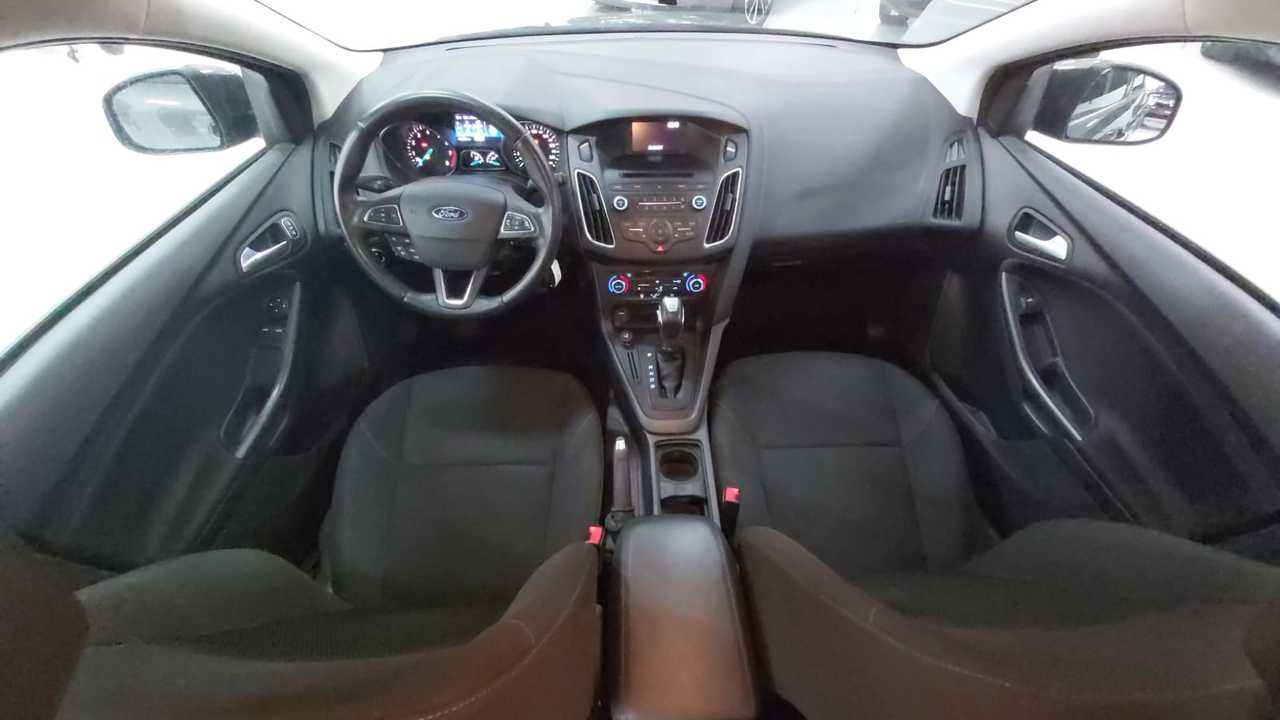 Ford Focus 1.6 TI-VCT TREND POWERSHIFT full