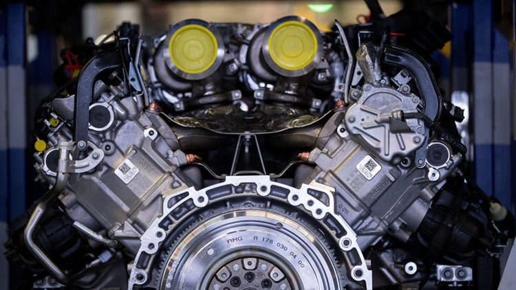 Volvo get engines from Daimler