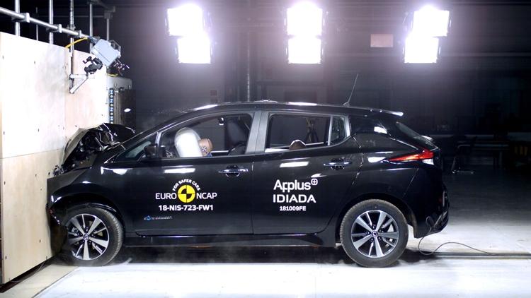 Nissan Leaf crash tests/InsideEVs