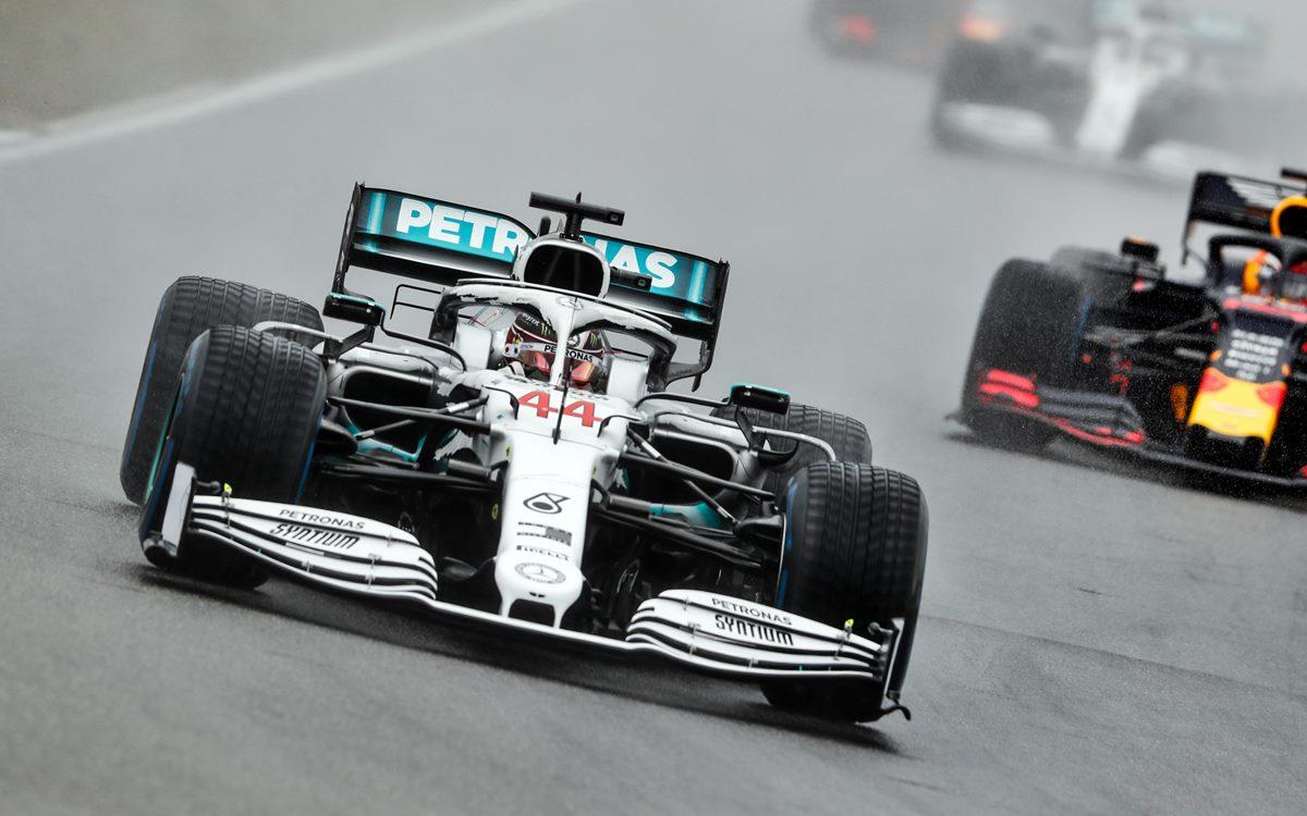 GP de Alemania: Hamilton suma puntos por una penalización a los Alfa Romeo