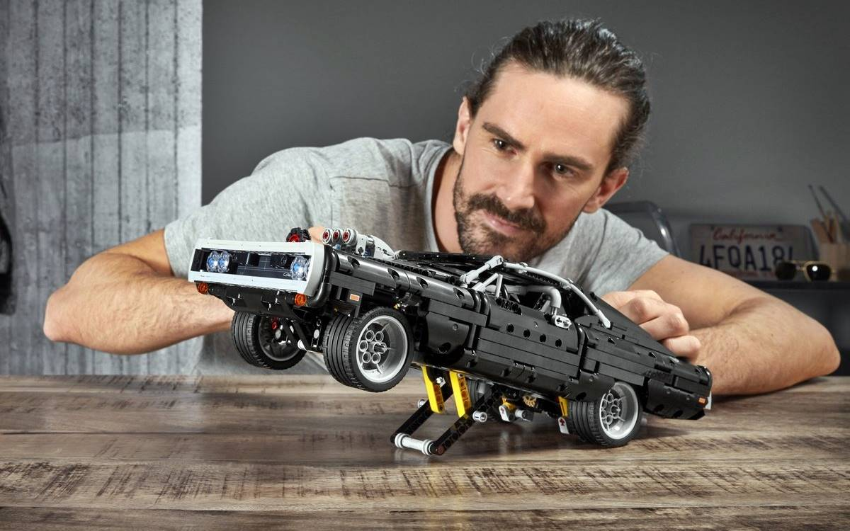 Lego Technic Dodge Charger R/T