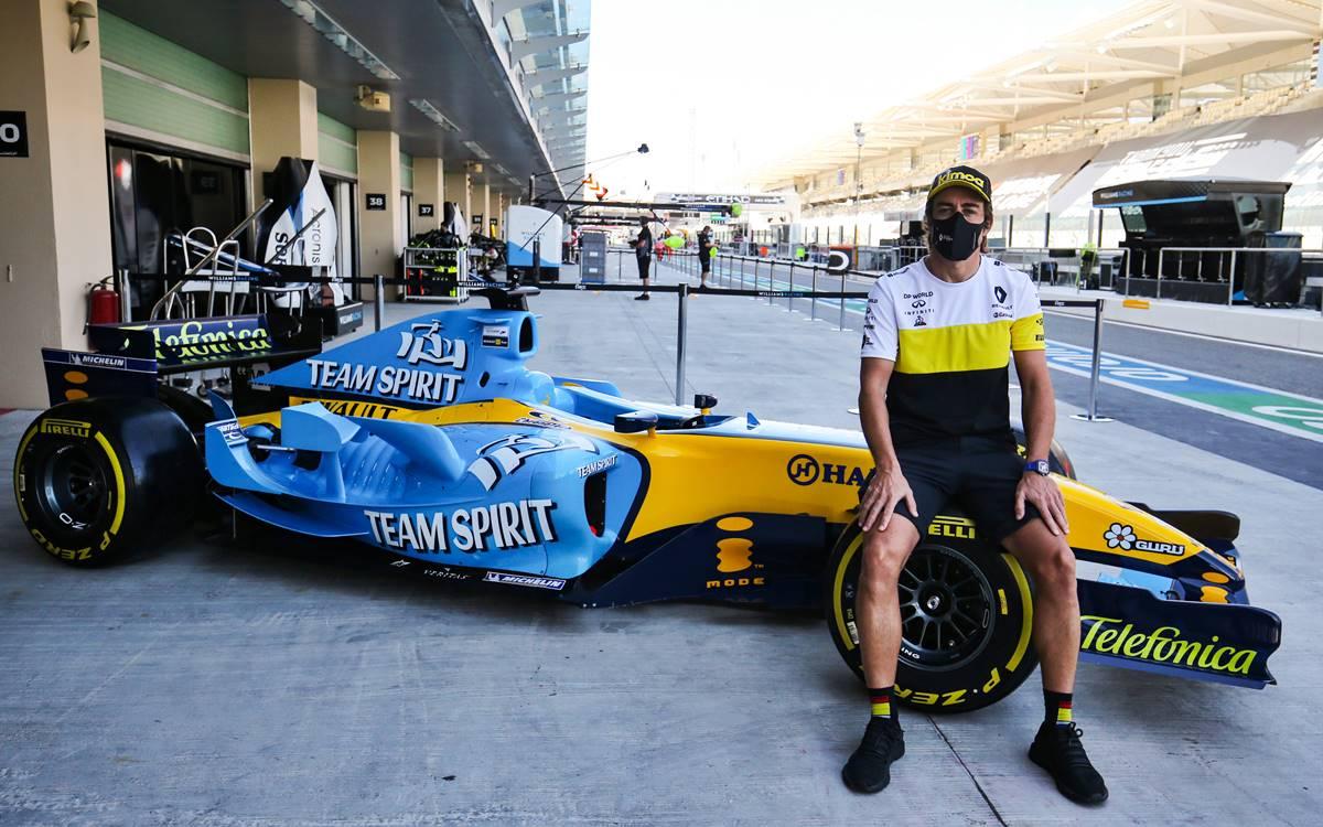 Fernando Alonso Renault R25