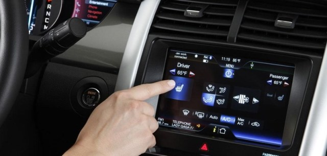 Ometaju li touchscreen zasloni vozače u vožnji?