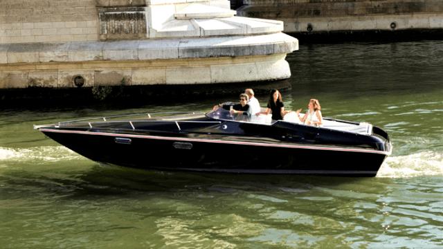 Black Swan, električni brod s baterijama iz Renaulta