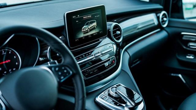 AUTOSAR, standardni softver za automobile, podučava se na FER-u