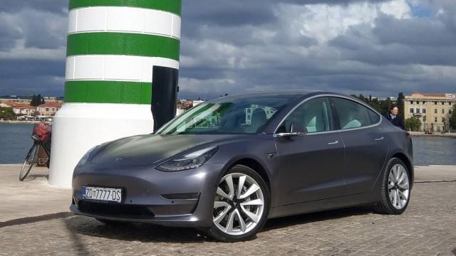 Hoće li Tesla uspjeti i ove godine ostati najtraženiji proizvođač električnih vozila?