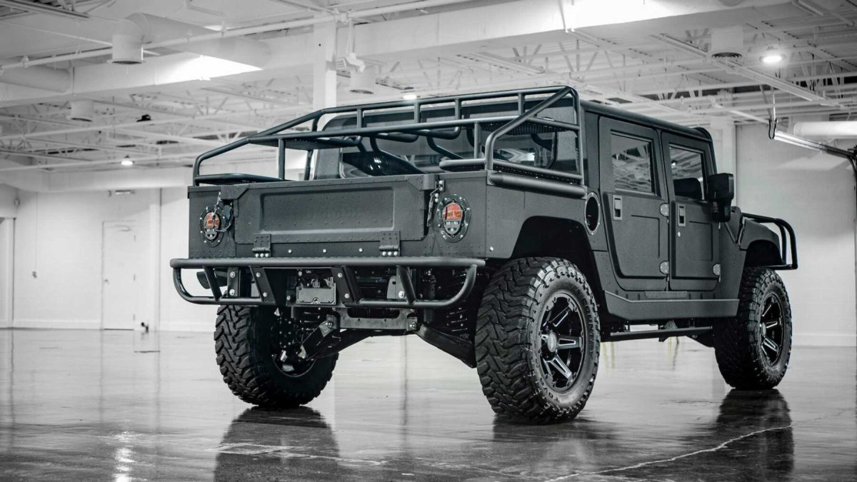 Not interested in the future Electric Hummer? You can have this H1 with 500 CV and 1,356 Nm of torque