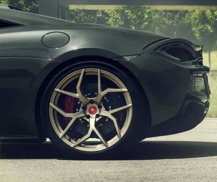 POGEA RACING shows us the McLaren 666s