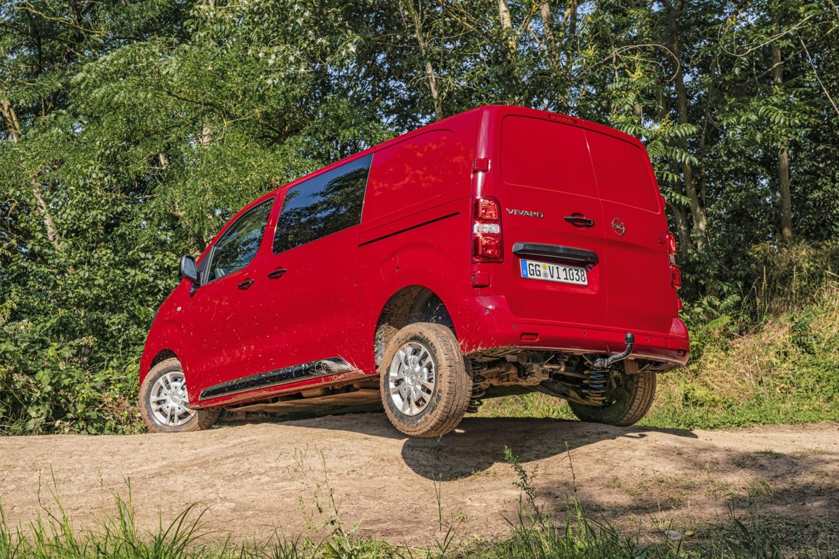 Opel Combo Cargo and Vivaro now available with Dangel all-wheel drive