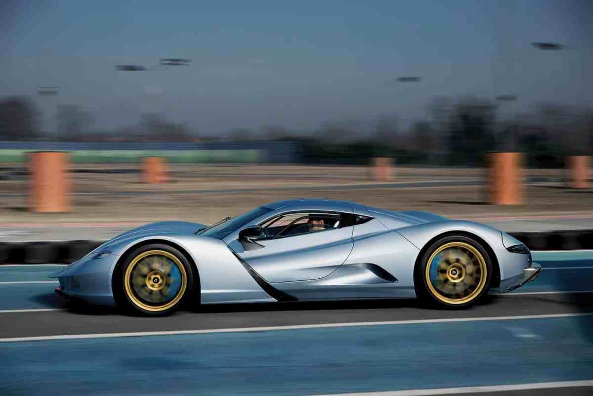 0 to 100 km / h in 1.73 seconds and 1,441 euros the CV