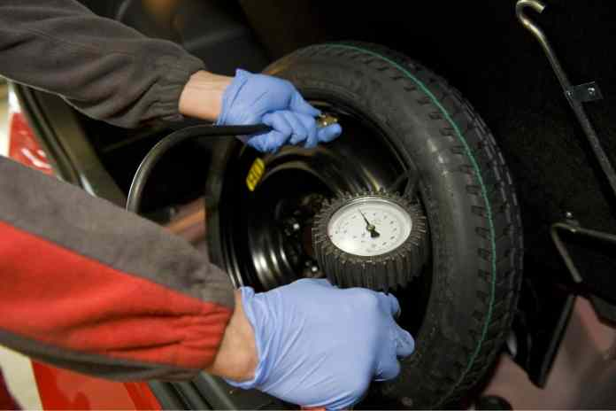 You have surely seen this point on your tires: Do you know what it is for?
